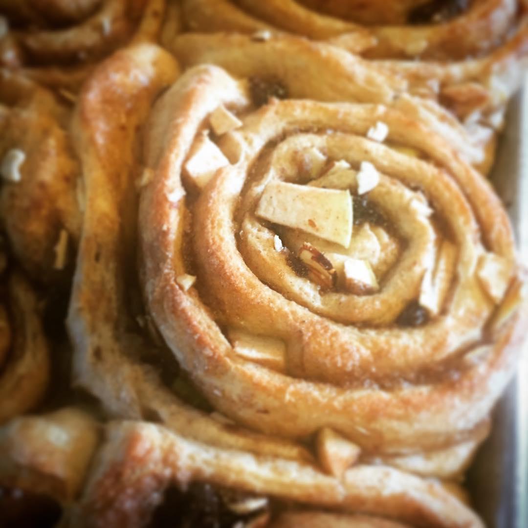 holly b's bakery sweets savory cinnamon roll lopez island