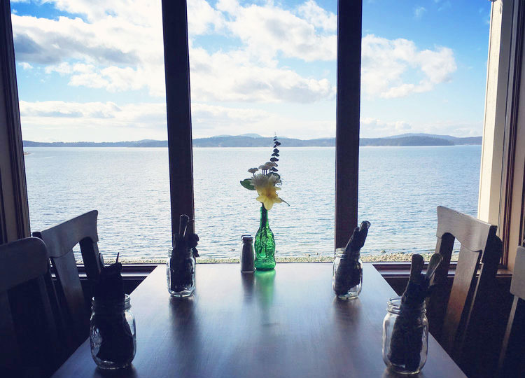 view restaurant lopez island waterfront bar dinner lunch